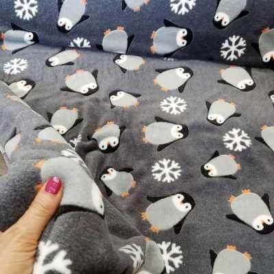 Minky penguins Minky Fabric de pingüinos. Tejido de tacto extrasuave. Se trata de un tejido 100% poliester extremadamente suave.