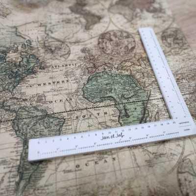 Loneta de algodón de 300gr. con mapas vintage diseñada por Jan et Jul