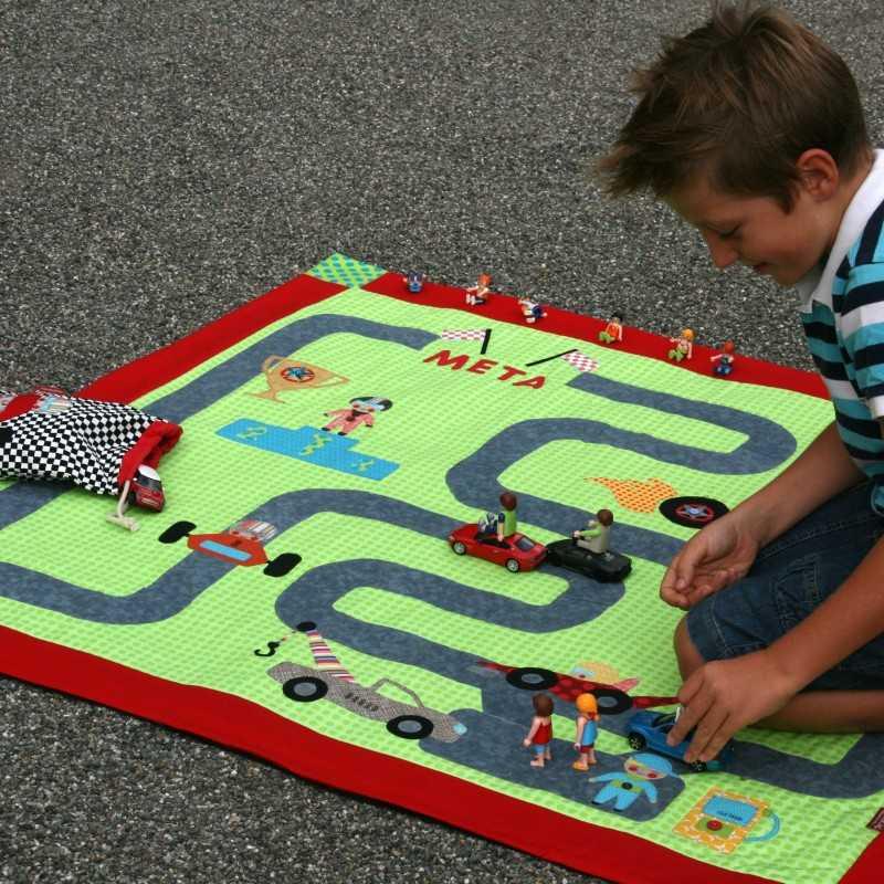 Manta con circuito para coches
