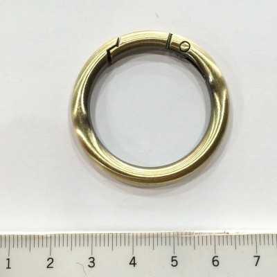 mosquetón de anilla