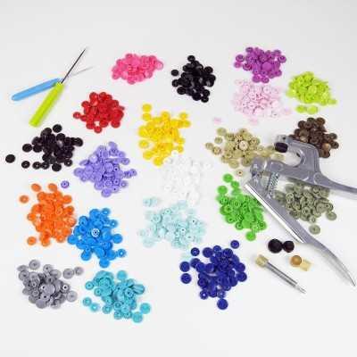 kit con herramienta y 200 snaps de colores
