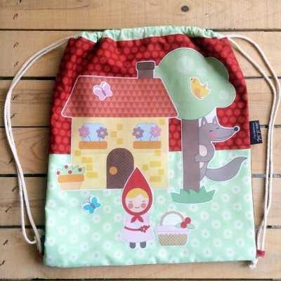 Patrón para coser una mochila de cordones
