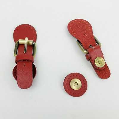 Cierres de piel con imán color granate