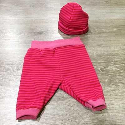 pantalon y gorro de bebe hecho a mano