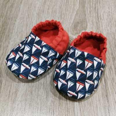 patrón descargable para realizar zapatitos de bebé en tela