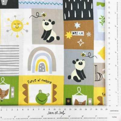 Tela con animales y pandas