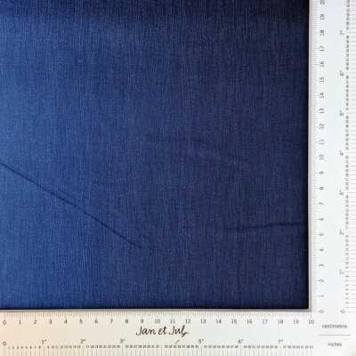 Tela con degradado de azul a azul claro