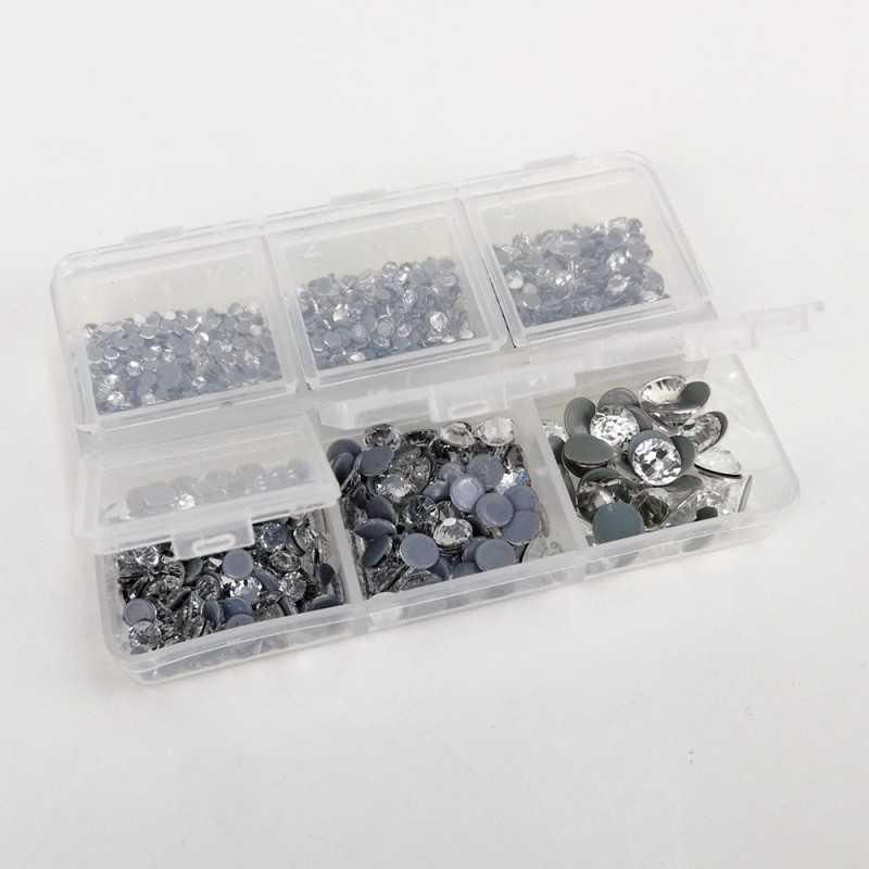 Caja con 1000 brillantes termoadhesivos