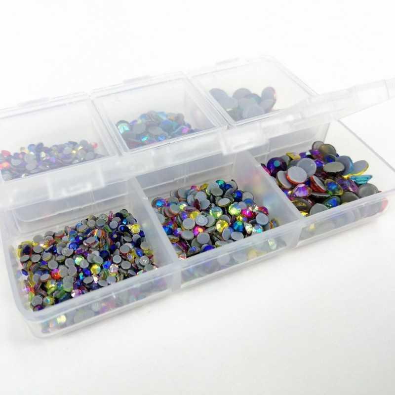 Caja con 1000 brillantes termoadhesivos de diferentes colores