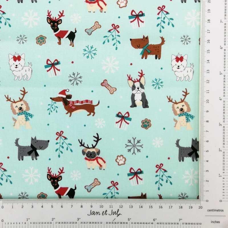 Original tela navideña con animales