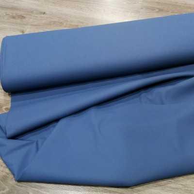 tela impermeable de color azul