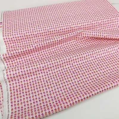 Tela rosa con fresas mini