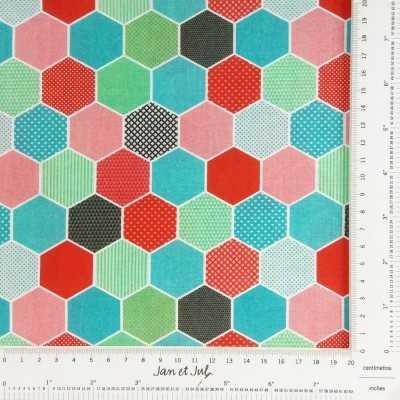 Tela multicolor con hexágonos diseñada por Jan et Jul