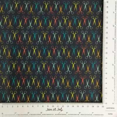 Tela de algodón con dibujos de tijeras