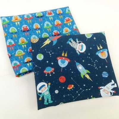 Telas de astronautas y aliens diseñada por Jan et Jul