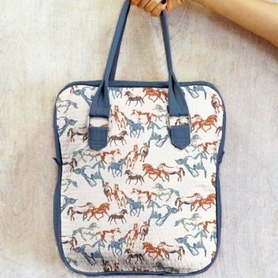 Bolso de AGF con tela de caballos