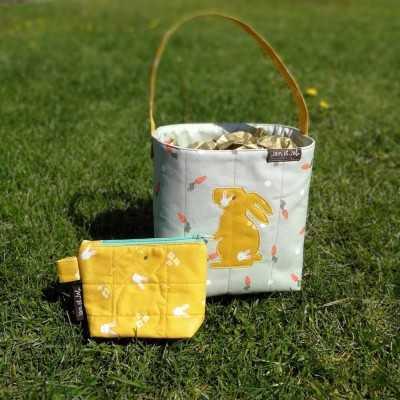 Cesta de pascua con tela de zanahorias y aplicación de conejito con tela de conejos