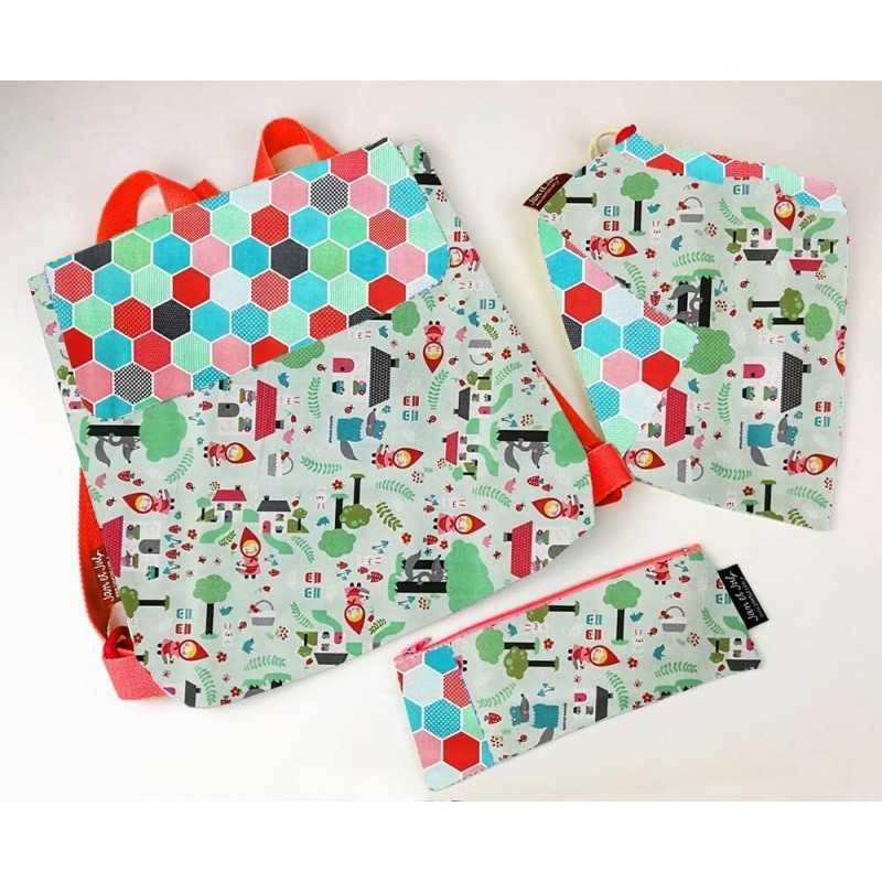 Mochila, bolsa merienda y neceser o estuche para niños o niñas. Pack ahorro