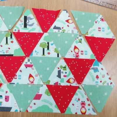 Triángulos pequeños para realizar un quilt. Ideal con la regla para triángulos de Jan et Jul